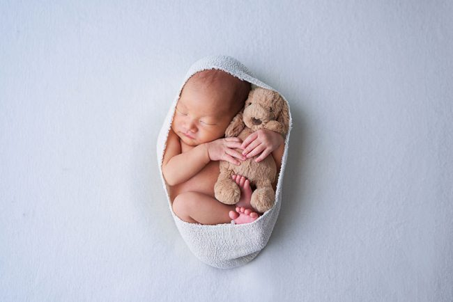 Simpl Newborn Photoshoot